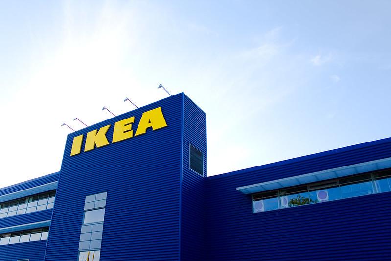 การตกแต่งด้วยคู่สีน้ำเงิน-เหลือง ของ IKEA อลูมิเนียมคอมโพสิต สีพิเศษ